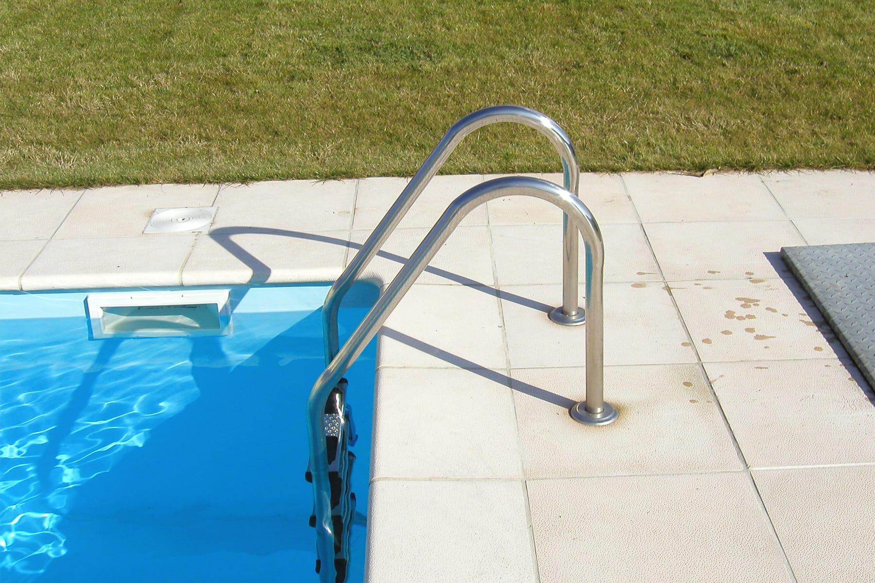 Escadas para piscina